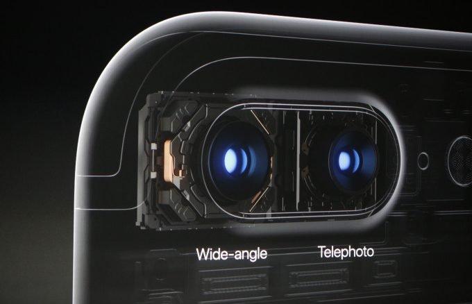 """Câu chuyện đằng sau """" camera kép"""" trên iPhone 7"""