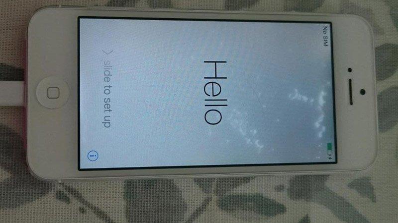 Nguyên nhân và cách xử lí khi màn hình iphone 5S bị loang màu