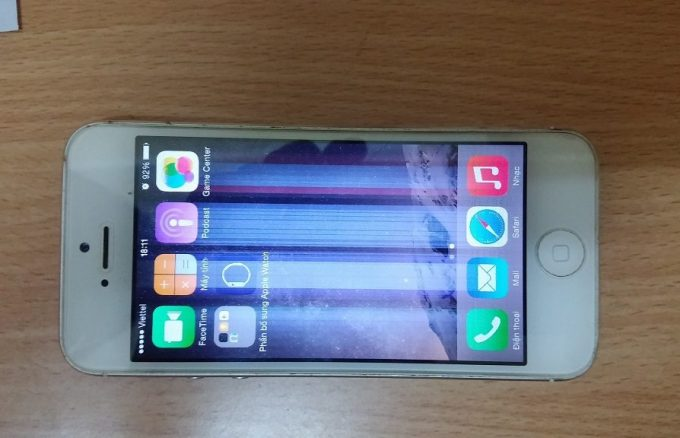 """3 bước """"thu phục"""" ngay màn hình iphone 5S bị sọc"""
