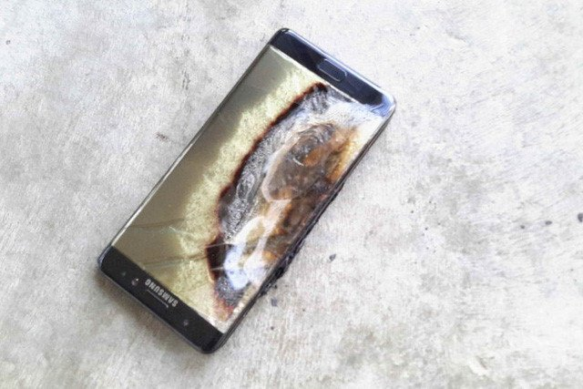Cần Chú ý: Phòng tránh smartphone cháy nổ giữa trời nắng nóng