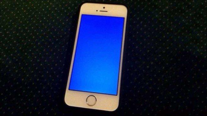 Làm gì khi iphone 6 bị lỗi màn hình xanh?