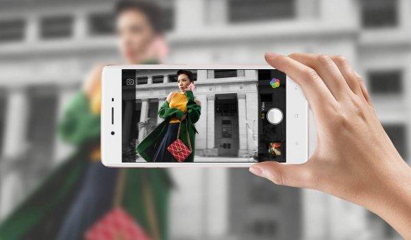 mat-hung-selfie-chi-vi-oppo-f1s-loi-camera-2