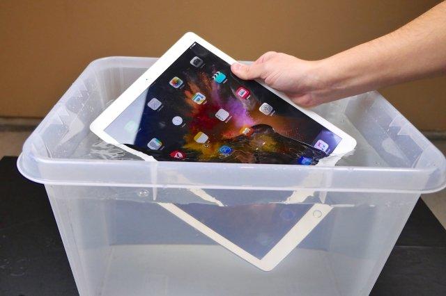 Phải làm gì khi ipad bị vô nước ?