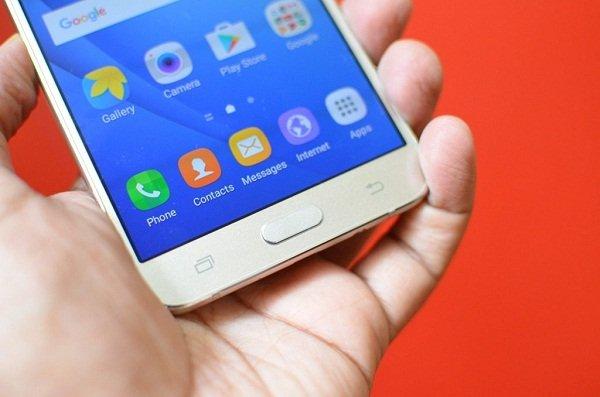 Khắc phục Samsung Galaxy J7/ J7 2016 bị lỗi cảm ứng nhanh chóng