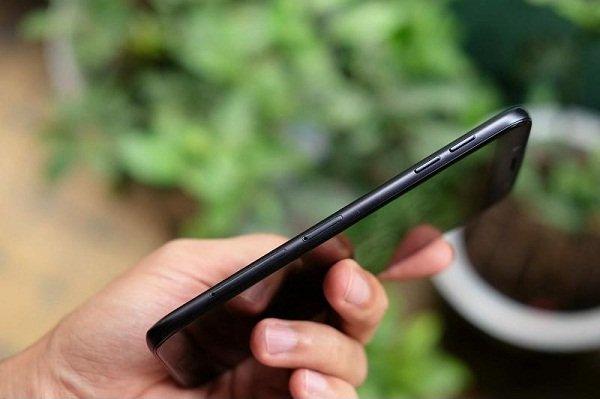 Khắc phục Samsung Galaxy J7 Pro bị mất sóng nhanh chóng