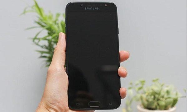 Khắc phục Samsung Galaxy J7 Pro bị sập nguồn nhanh chóng