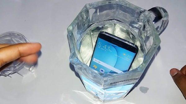 Khắc phục Samsung Galaxy J7 Pro bị vào nước nhanh chóng