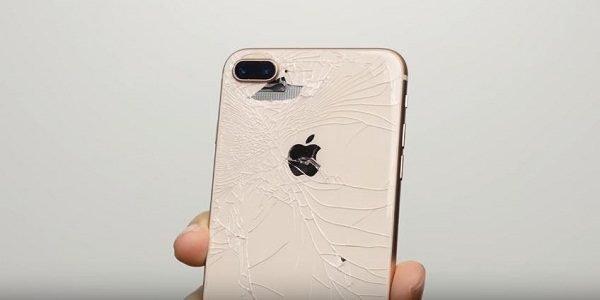 Thay kính lưng iPhone 8 Plus chính hãng nhanh chóng