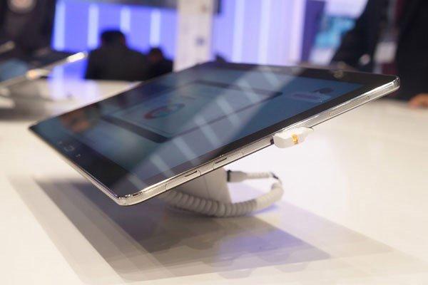 Thay mặt kính cảm ứng Samsung Galaxy Tab Pro 12.2 (T900)