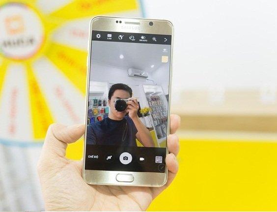 Khắc phục lỗi chụp ảnh bằng camera trước bị ngược ở Samsung Galaxy Note 5
