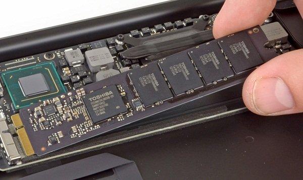 Thay nâng cấp ổ cứng SSD Macbook Air nhanh chóng tại TP. HCM