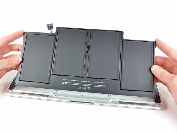 Thay pin Macbook Air chất lượng nhanh chóng