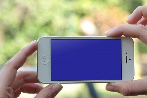 iPhone 5S bị màn hình xanh, nguyên nhân từ đâu và khắc phục ra sao?