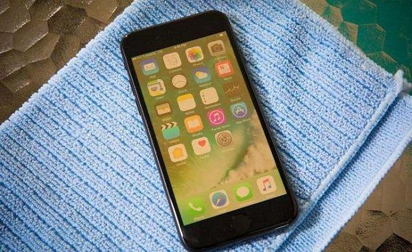 Màn hình iPhone 7 bị ám vàng, bạn đã biết cách khắc phục?