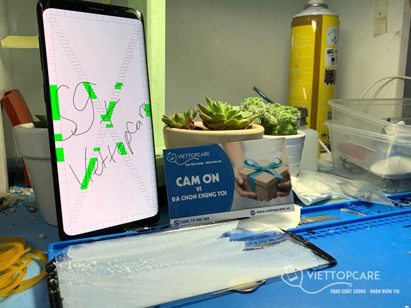 Samsung S9+ Thay kính 1