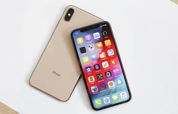 thay-mat-kinh-iphone-xs-max-2