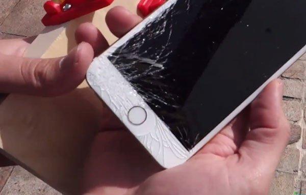 """""""Bỏ túi"""" ngay 3 cách khắc phục màn hình điện thoại bị vỡ nhanh nhất 2"""