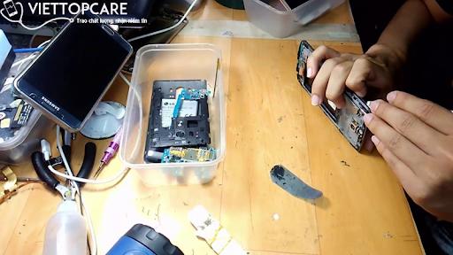 www.123raovat.com: Do đâu người dùng Samsung chọn sửa chữa điện thoại ở Vie