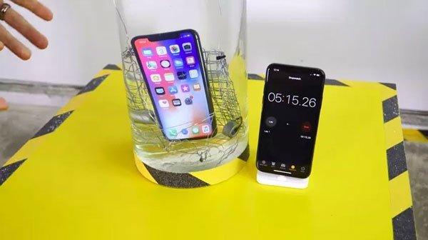 Cách xử lý màn hình iPhone X không lên 1