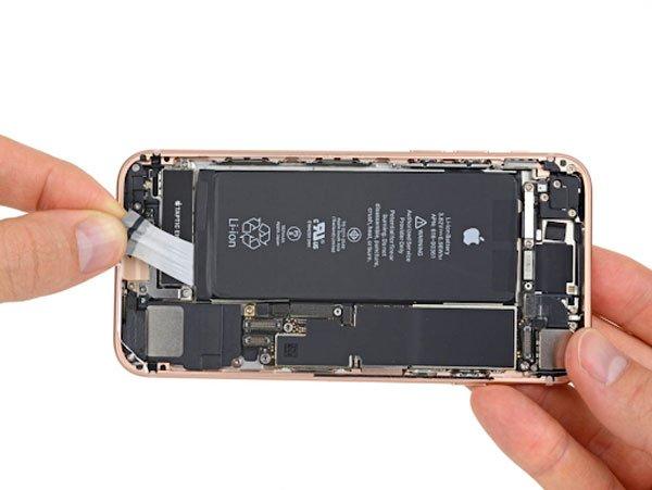 """iPhone 8 bị phồng pin: """"cơn ác mộng"""" của fan Táo 3"""