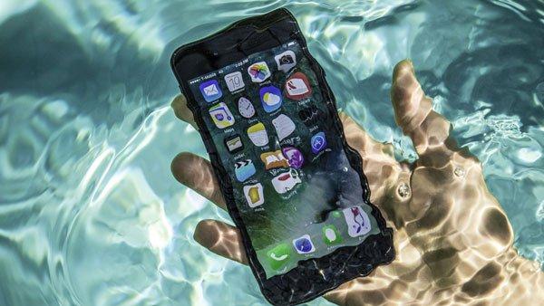 Màn hình iPhone 8 Plus bị ám vàng: Hãy khoan mang máy đi bảo hành! 2