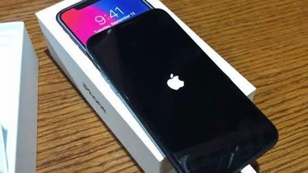 Nguyên nhân và cách khắc phục iPhone X bị tắt nguồn bật không lên 1