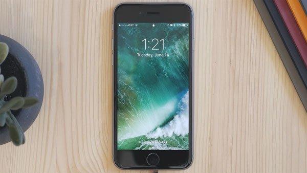 Khổ sở khi màn hình iPhone 7 Plus bị đơ, cách nào để khắc phục? 1