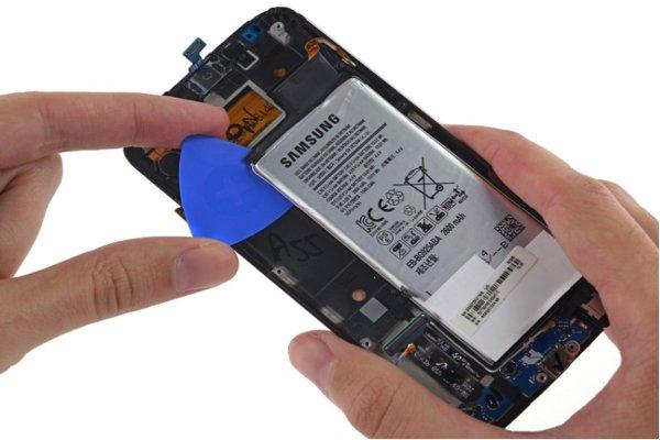 Pin Samsung A6 bị chai có thể khắc phục không hay cần phải thay pin mới?