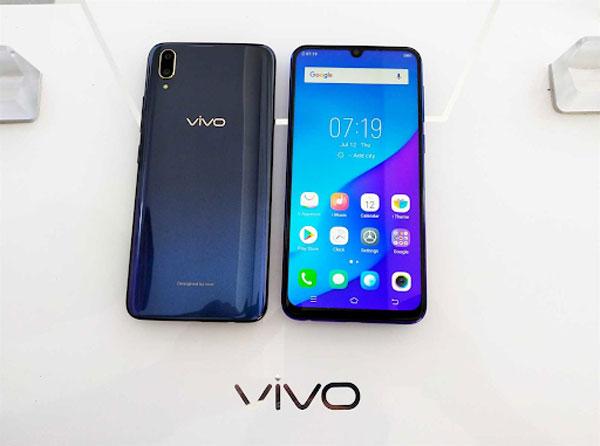 4 điểm khác biệt của Vivo V11 so với Vivo V11i 1