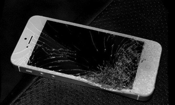 Chi phí sửa chữa smartphone tốn kém ra sao?