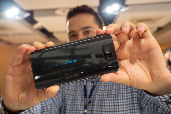 Đánh giá Asus ZenFone 6 17