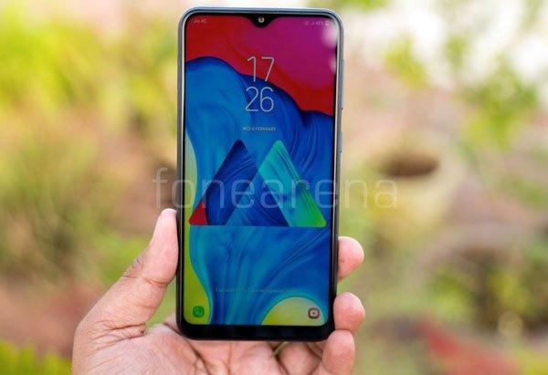 Đánh giá Samsung Galaxy M10: Bước đi bất ngờ 5
