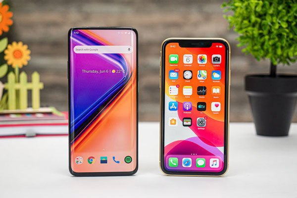 So sánh OnePlus 7 Pro vs Apple iPhone XR 2