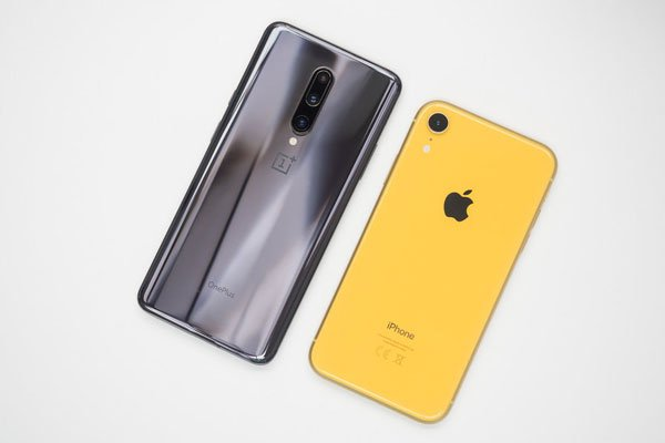 So sánh OnePlus 7 Pro vs Apple iPhone XR 3