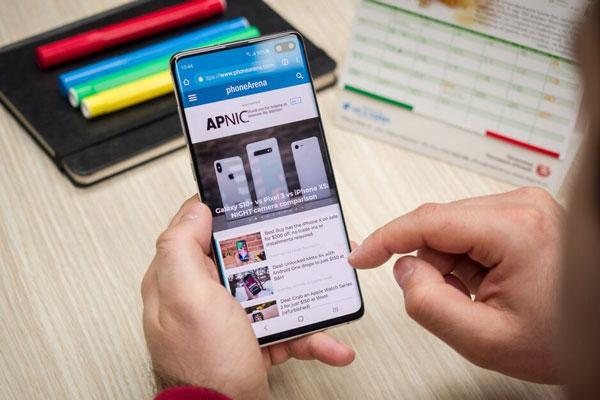Samsung vượt trội hơn hẳn Apple và Huawei về tốc độ tải xuống 1